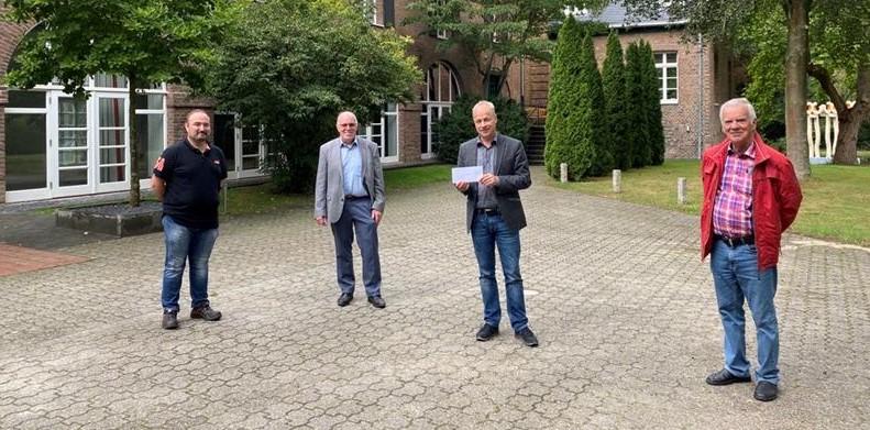 FDP spart an Wahlplakaten und spendet an drei Einrichungen